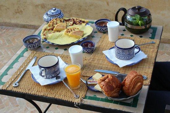 dar gnaoua: Le petit déjeuner