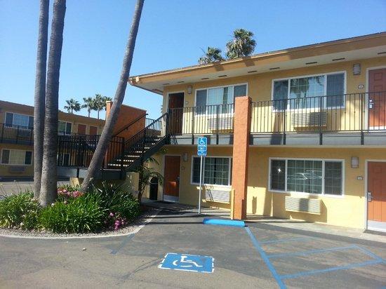 Howard Johnson Inn San Diego Sea World: facciata