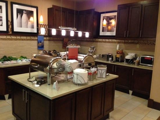Hampton Inn & Suites Legacy Park-Frisco : Breakfast area