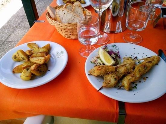 Da Sauro: spiedini e patate al forno