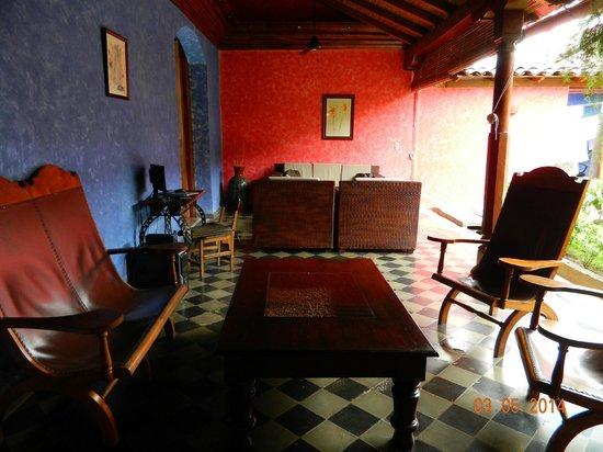 Hotel Casa del Consulado : Outside seating