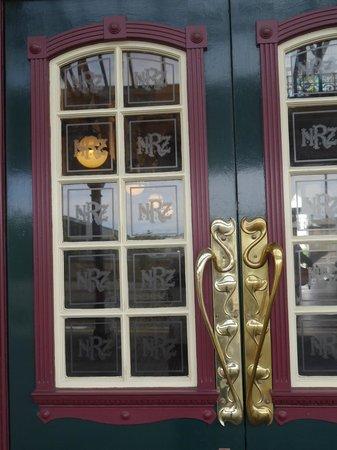Door detail at Dunedin Railway Station