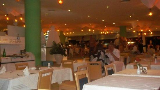 SENTIDO Phenicia: Dining room