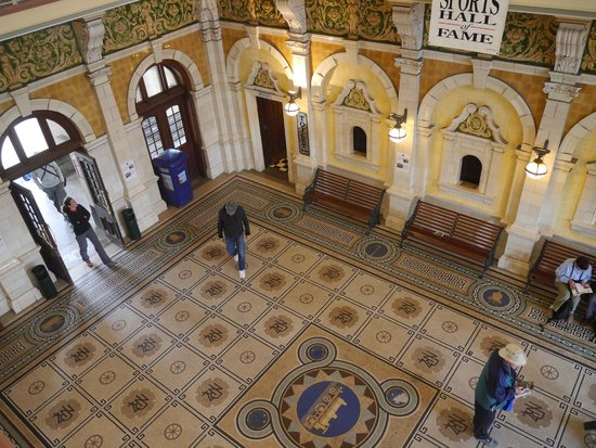 The foyer at Dunedin Railway Station