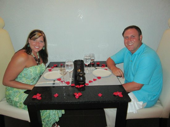 Excellence Playa Mujeres: Romantic Dinner at Spice