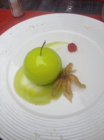 Restaurant les Halles : Dessert au chocolat blanc... Un régal très original