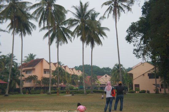 Holiday Villa Beach Resort & Spa Cherating : Our unit is on the left, 2nd floor.