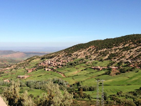 Atlas and Sahara Day Tours : View along the tour in the Atlas Mountains