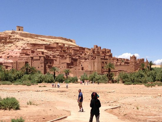 Atlas and Sahara Tours : Visit to the Kasbah Ait Benhaddou along tour