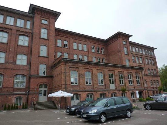 Hotel Volksschule: Aussenansicht