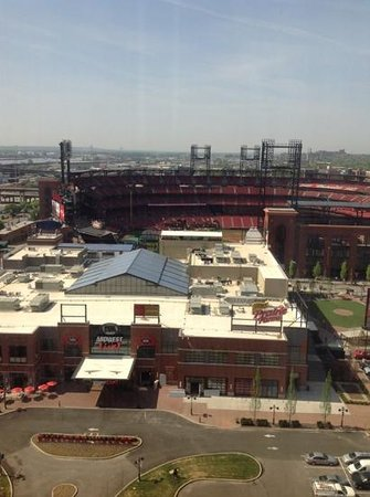 Hilton St. Louis at the Ballpark: veiw from room