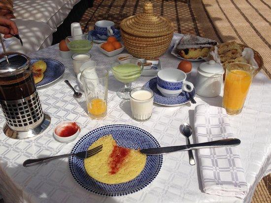 Riad l'Orangeraie: Breakfast