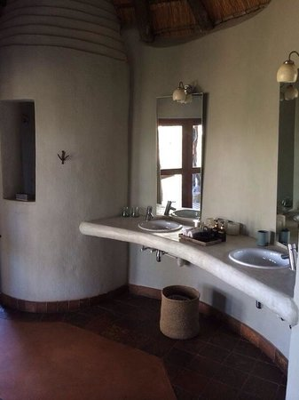 Madikwe Safari Lodge: Bathroom
