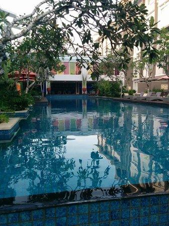 Ibis Styles Bali Benoa : Pool
