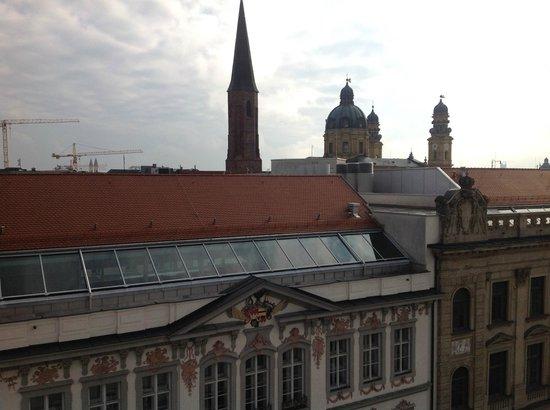 Hotel Im Hof Munchen