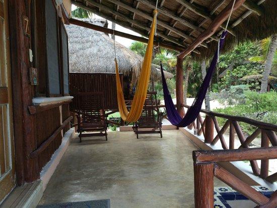 Tita Tulum Hotel Ecologico: Hammock on the deck.