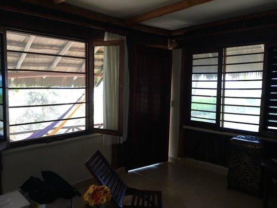 Tita Tulum Hotel Ecologico: Windows in room