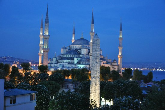 Hotel Fehmi Bey: Blue Mosque at dawn