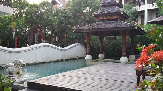 Puripunn Baby Grand Boutique Hotel: Pool Area