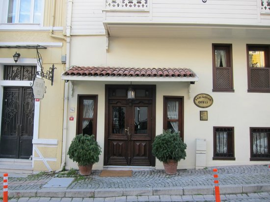 Hotel Sari Konak: Hotel Eingang