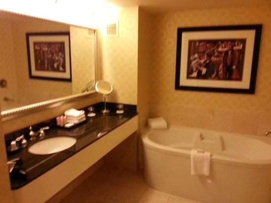 Planet Hollywood Resort & Casino: Bathroom
