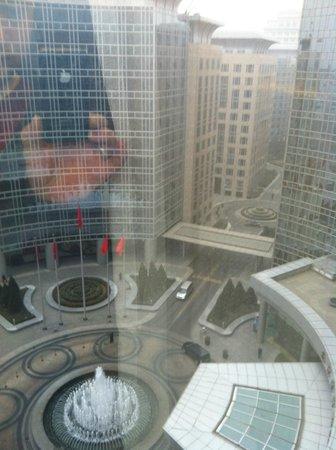 Grand Hyatt Beijing: утро Пекина
