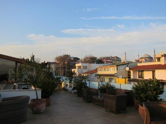 Hotel Sari Konak: Ausblick von der Terrasse