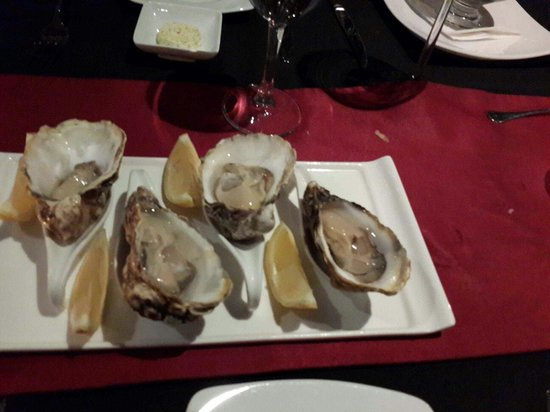 Platinum Grill: Raw Oyster