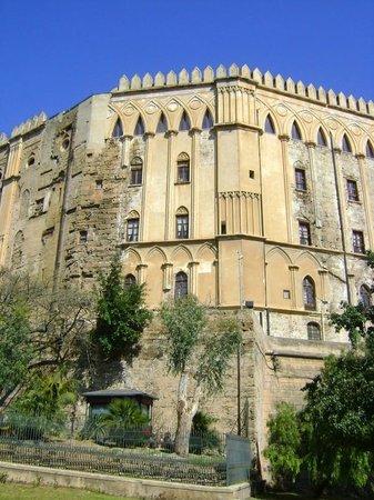 Palazzo dei Normanni: w