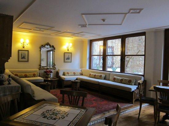 Hotel Sari Konak: Aufenthalts/Frühstücksraum