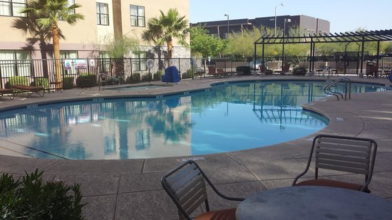 Courtyard Phoenix North/Happy Valley: Pool