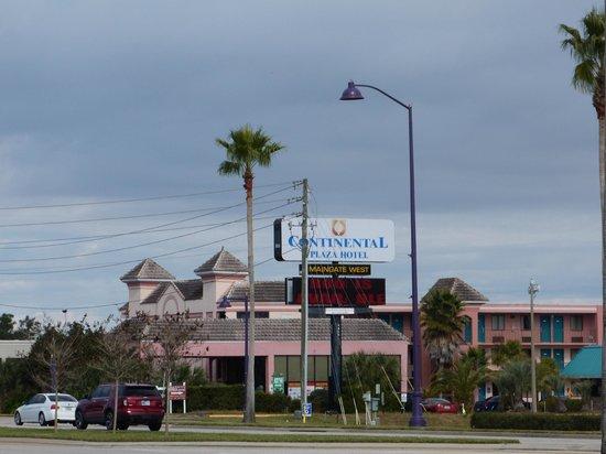 Continental Plaza Hotel: vista del hotol
