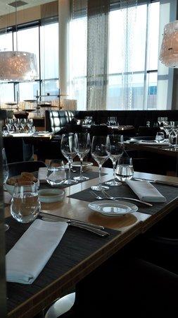 Hilton Helsinki Airport: Restaurant