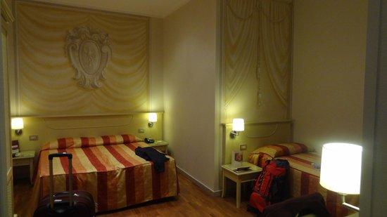 Bologna Hotel Pisa : Quarto