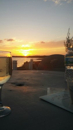 Catch a Fire Bar & Grill: Watch the sunset and sip Pinot Grigio :)