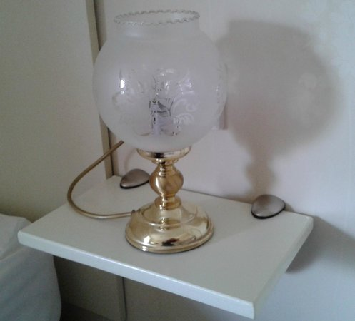 Castle Lodge Hotel: The 'Bedside table' & Marmite lamp
