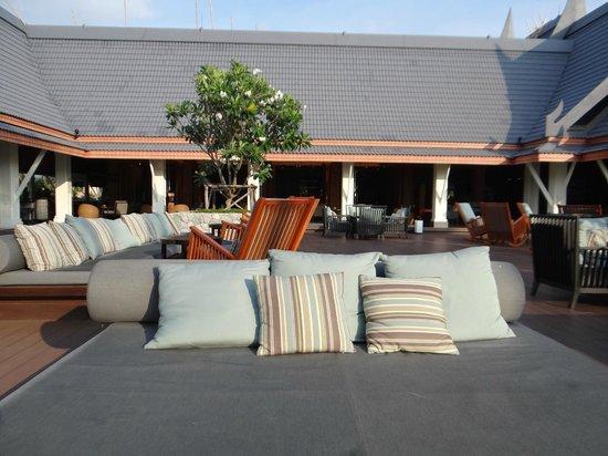 Outrigger Laguna Phuket Beach Resort: Terrazas