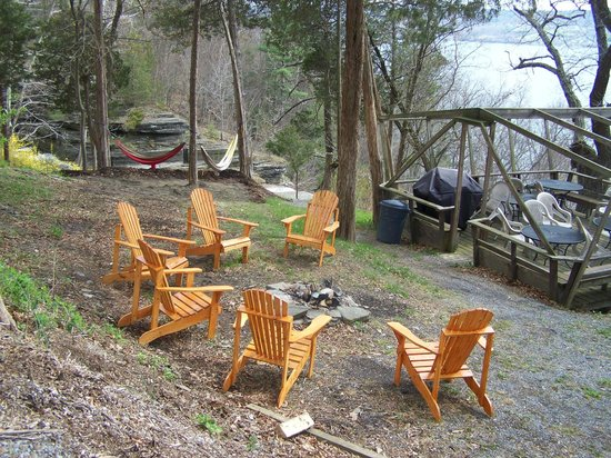 Finger Lakes Waterfall Resort: Campfire Site