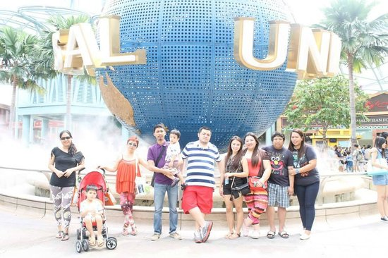 Universal Studios Singapore : ..