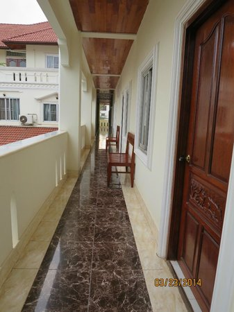 Aroon Residence Vientiane: Hallway on the 2nd floor