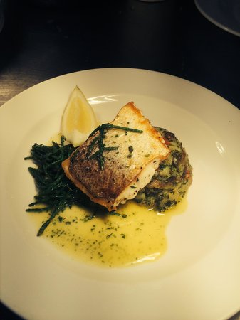Portsmouth Hoy: Pan fried hake, crushed potatoes, buttery fish reduction and samphire