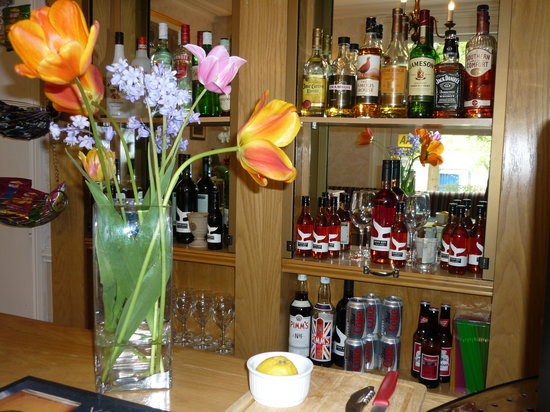 Hilden Lodge: Relax with a drink in our cosy bar