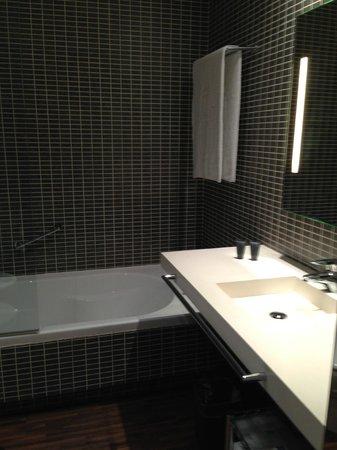 AC Hotel Alicante : Bathroom 1