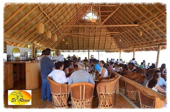 El Risco Restaurant & Bar: Buen ambiente