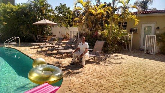 Hotel Seacrest: courtyard