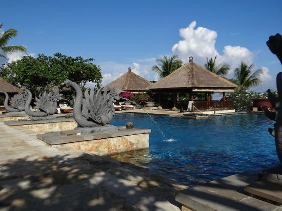 AYANA Resort and Spa: Piscina