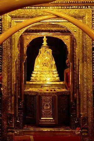 Wat Pho (Templo de Buda reclinado): kandy Dalada Maligawa Kandy