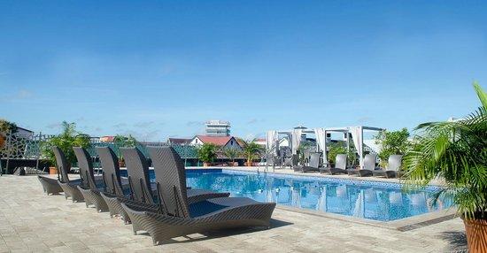 Hotel Krasnapolsky : Zwembad