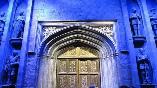 Warner Bros. Studio Tour London - The Making of Harry Potter: Il portone della scuola di magia