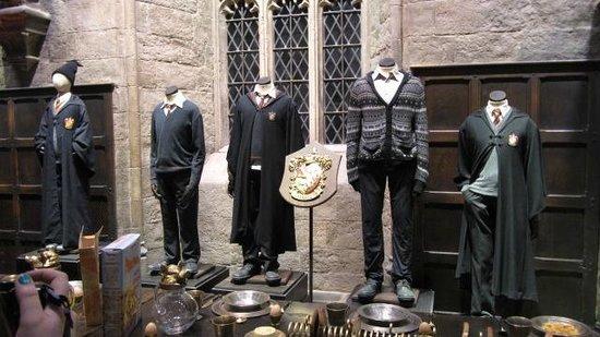 Warner Bros. Studio Tour London - The Making of Harry Potter: Abiti di scena
